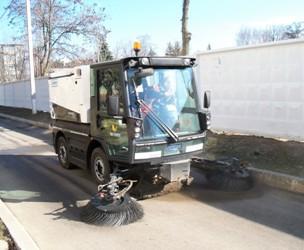 До весняного прибирання вулиць Покрова залучена сучасна комунальна техніка