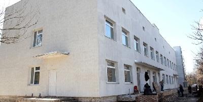 Триває реконструкція інфекційного відділення міської лікарні Марганця