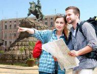 Иностранные туристы тратят в Украине в 9 раз меньше, чем украинцы за рубежом