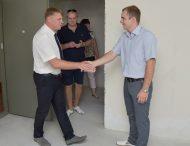 Працівники Запорізької АЕС отримали ключі від квартир в новому будинку