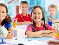 Що потрібно купити дитині в школу: список речей і канцелярії