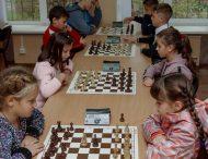 Нікопольська школа №8 представлятиме місто на обласних змаганнях з шахів