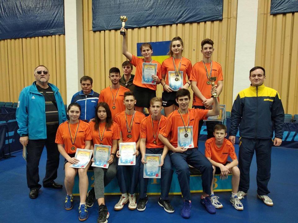 Нікопольська тенісистка вдало виступила  на чемпіонатах