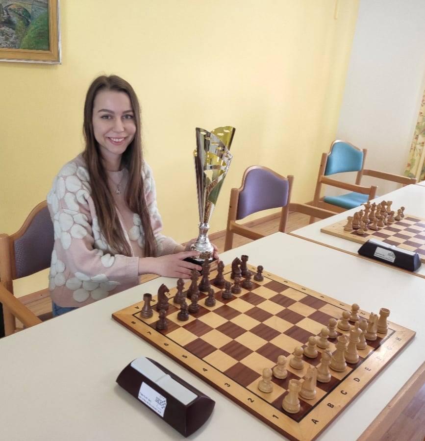 Никопольская шахматистка заняла 1ое место на Чемпионате по шахматам в Германии