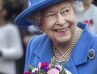 Королева Елизавета II попала в смешную ситуацию из-за своего лакея