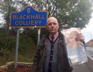 В британской деревне «добрый самаритянин» уже 5 лет разбрасывает пачки денег