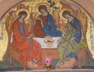 Де на Трійцю подивитися богослужіння онлайн