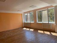 Триває поточний ремонт школи № 22 (фото).