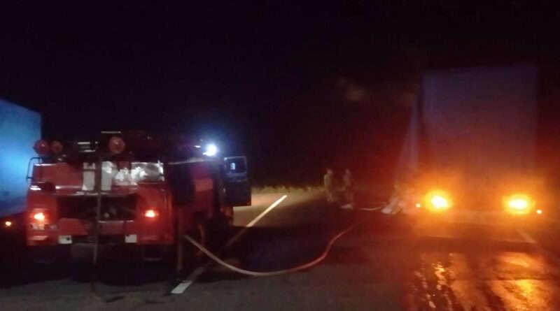 На Дніпропетровщині вночі загорілася вантажівка (Фото)