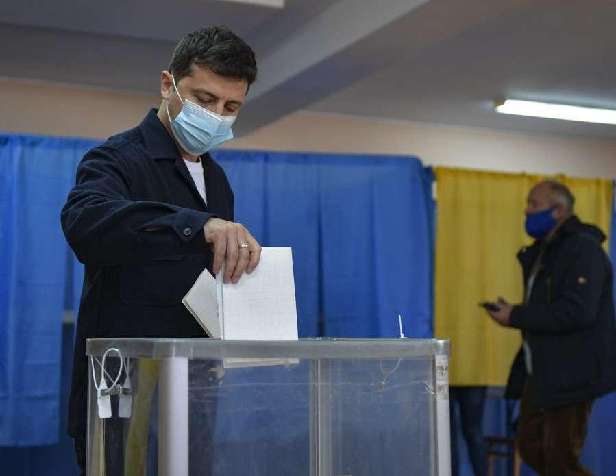 Президент разом з дружиною проголосували на місцевих виборах у Києві