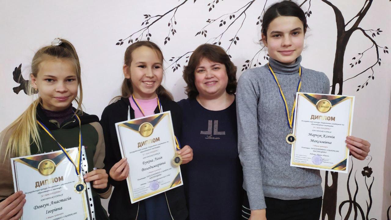 Вихованці Будинку творчості дітей та юнацтва  Покрова стали переможцями Всеукраїнського дистанційного конкурсу «Я і мистецтво»