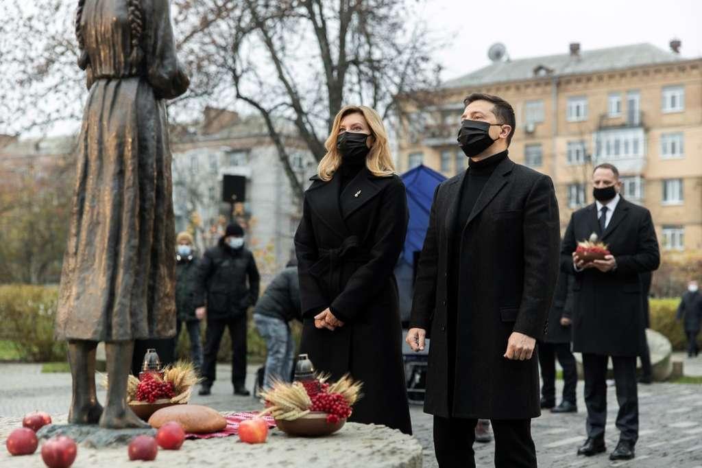 Музей Голодомору є надважливим для України й обов'язково буде завершений – Президент на церемонії вшанування пам'яті жертв голодоморів