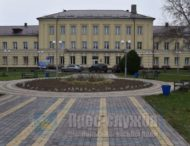У будівлі дитячої лікарні завершується ремонт