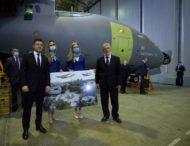 Вперше за роки незалежності держава замовляє у «Антонова» три нові українські літаки Ан-178, які отримає армія – Володимир Зеленський