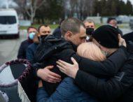Звільнені українські моряки із судна Captain Khayyam повернулися додому та нарешті побачили рідних після п'яти років утримування в Лівії
