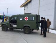 Украинские военные получили в подарок от Латвии семь Land Rover Defender