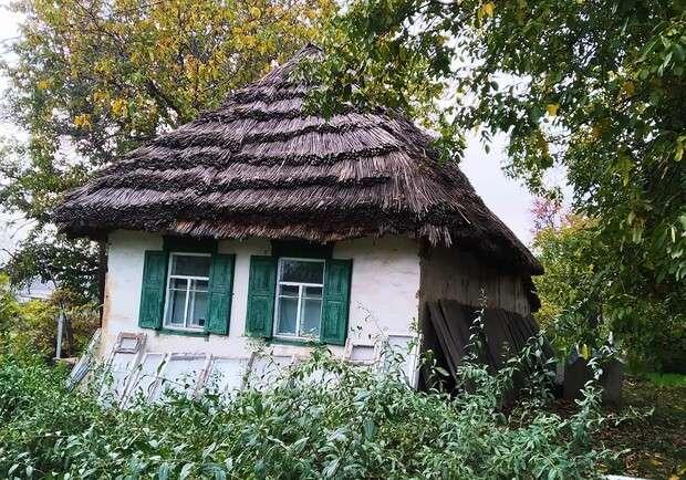 В одном из городов Днепропетровской области снесли последнюю хату-мазанку