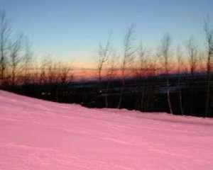 В Чехии и Словакии выпал розовый и оранжевый снег