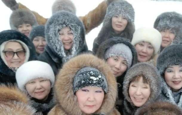 Якутские женщины покоряют Сеть танцами в минус 45