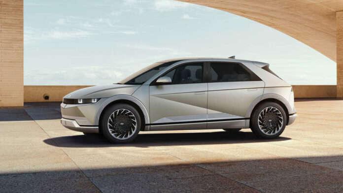 Электромобиль Ioniq 5 от Hyundai удивил дизайном и технологиями