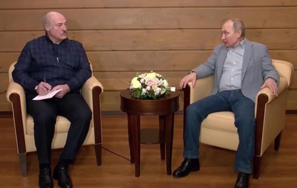 Лукашенко записывал слова Путина на переговорах
