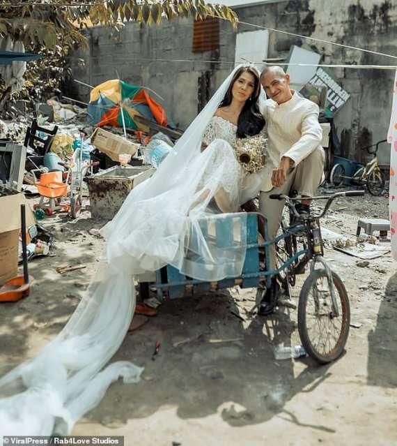 Паре бездомных подарили свадьбу и брачную фотосессию
