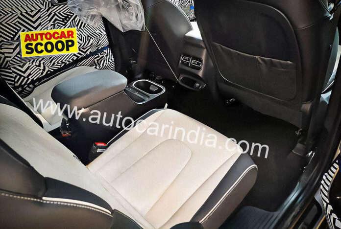 Шпионы впервые заглянули в салон 7-местной Hyundai Creta