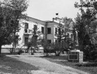 Церковь преподобного Иоанна Дамаскина, кладбище воинов погибших в годы крымско-турецкой войны, Никопольский Дом отдыха и современная заброшенная посадка.