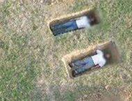 С помощью Google Maps найдены свежие могилы с живыми людьми