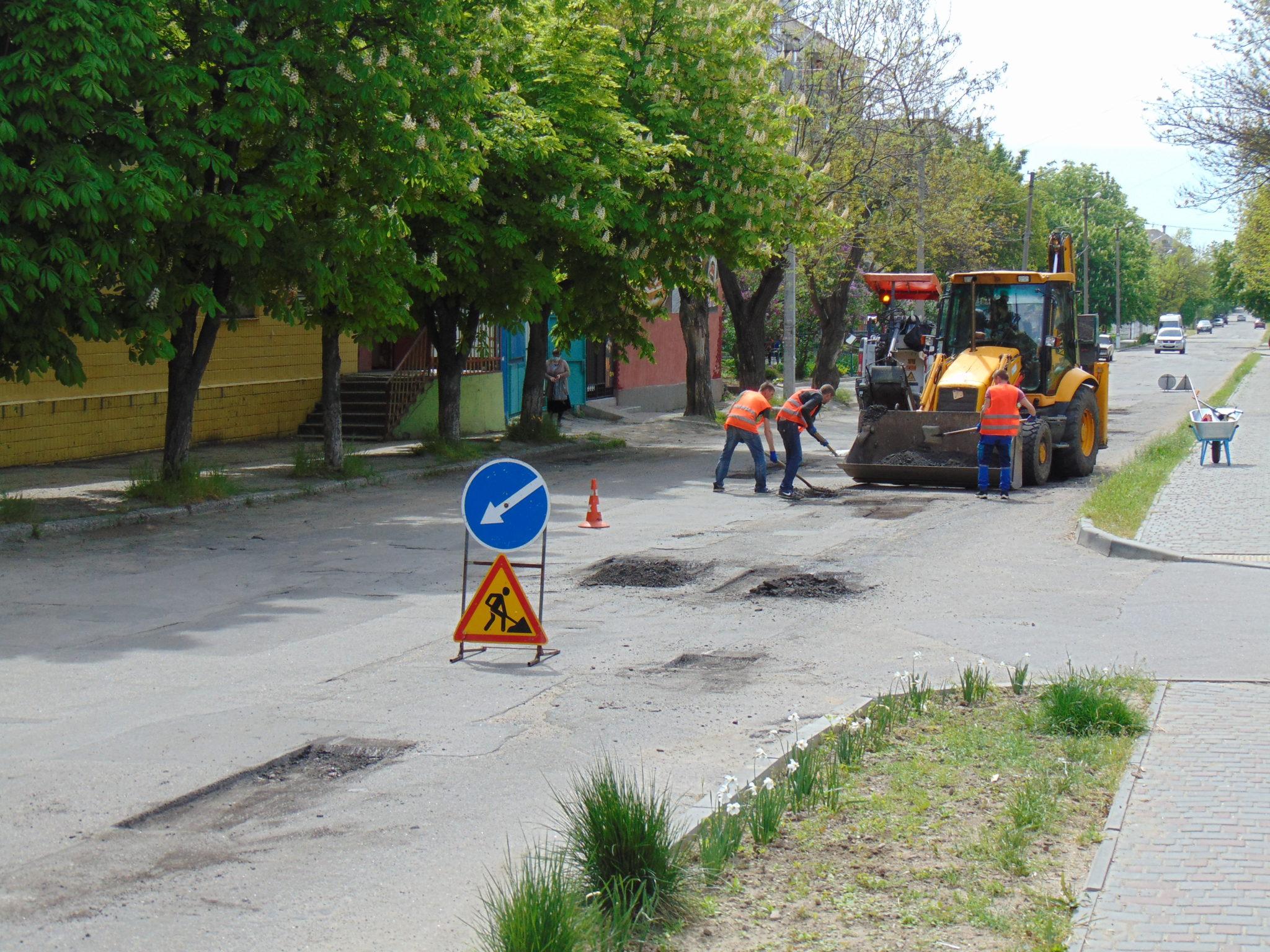 Ранний ремонт дорог в Никополе.