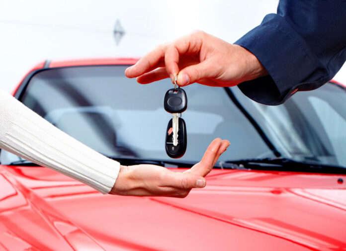 Українці купують все більше нових авто