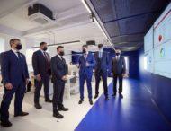 Президент ознайомився з можливостями Кіберцентру UA30, який опікуватиметься кіберзахистом держустанов, бізнесів і громадян