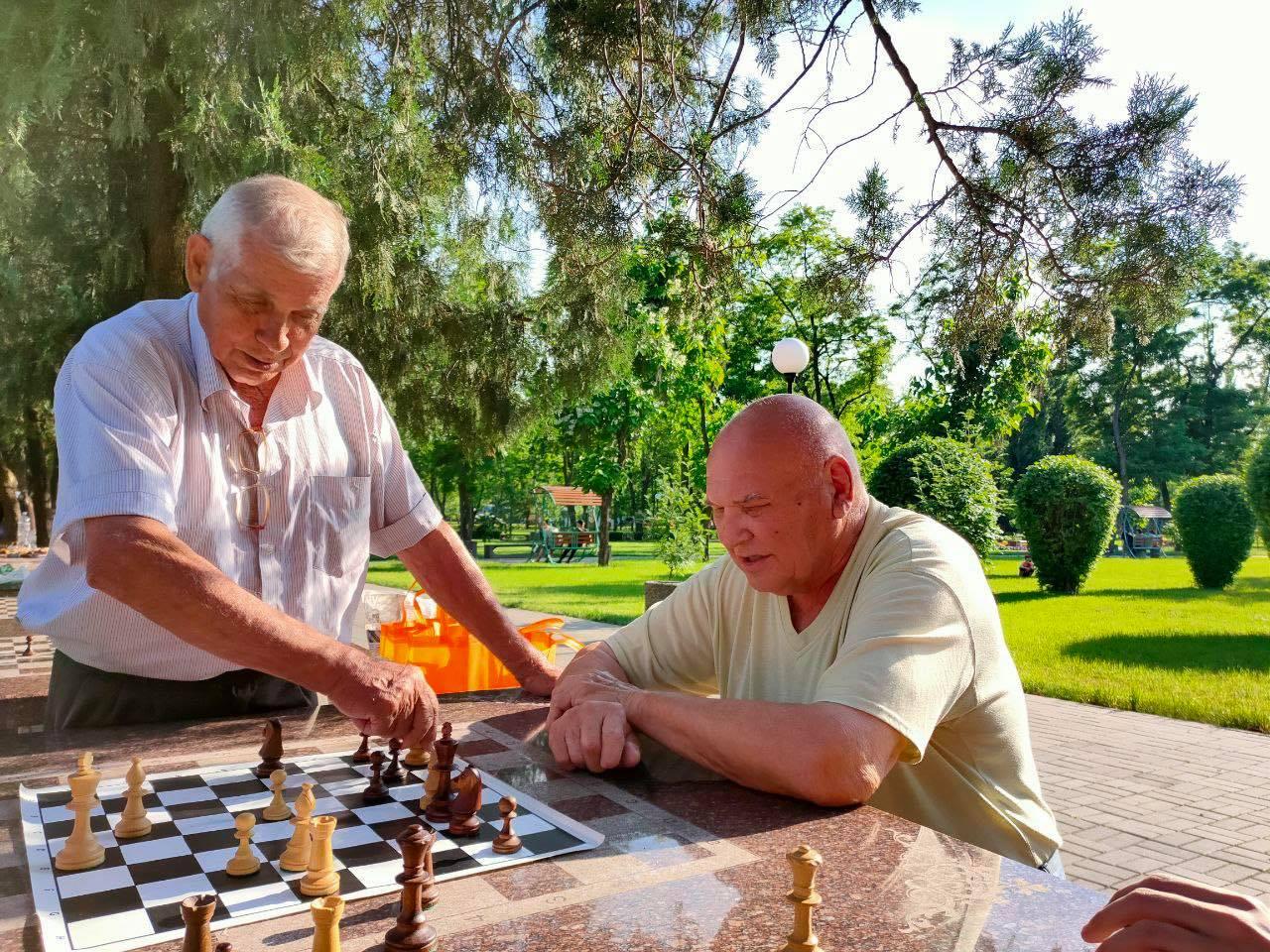 У Покрові визначилися найсильніші  шахісти серед ветеранів