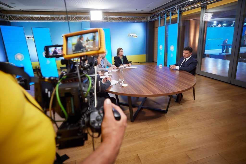 Володимир Зеленський: Приватизація – це не про те, скільки держава отримає при продажу, це про сплату податків щомісяця, щороку