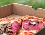 Курьер съел кусок пиццы из-за отсутствия чаевых