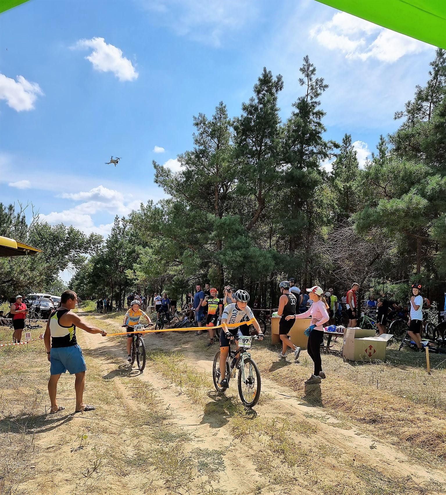 У Покрові вдруге пройшли велозмагання з крос-кантрі «Чотири стежки»