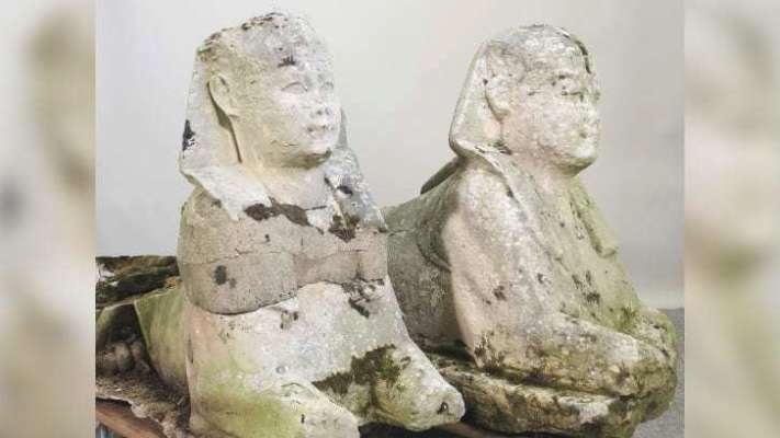 В Британии на аукционе продали садовые статуи, которые оказались древнеегипетскими артефактами